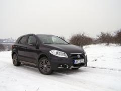 Suzuki SX4 S-Cross 1.6 VVT jsme měli jako jediné na sněhu