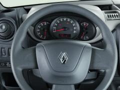 Moderná aprehľadná – prístrojová doska nového Renaultu Master.