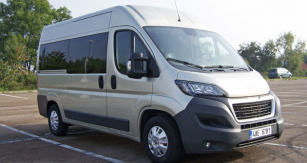 Peugeot Boxer bus 150 HDI L2H2