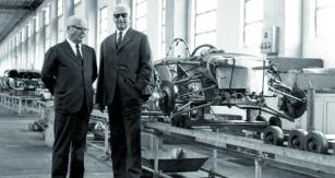 Enzo Ferrari si založením společnosti pod svým vlastním jménem splnil dávný sen. Vozy značky Ferrari začaly dobývat svět apeněženky těch nejbohatších zákazníků.