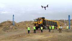 Prezentace nových stavebních vozidel Ford Trucks Cargo Construction nenechala nic nanáhodě - dokonce byl kdispozici dostatečně výkonný dron.