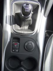 renault-Zařadicí pákou je otočný volič pohonu kol auelektrické parkovací brzdy spínač tempomatu resp. omezovače rychlosti