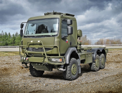 Tatra 810 skontejnerovou nástavbou