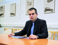 Od 1. 12. 2015 je novým obchodním ředitelem společnosti Tatra Trucks David Pipal. Shodou okolností právě v tento den došlo na podpis smlouvy o prodeji 350 speciálních podvozků Tatra pro zákazníka zEgypta.