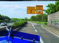 Konečně! Po11 hodinách jízdy a800 kilometrech Exit Krefeld. Cíl naší cesty!