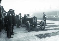 Načervencové GP Francie 1913 se již Jules Goux aGeorges Boillot museli obejít bez svého šéfa konstrukčního týmu Šarlatánů Paola Zuccarelliho.