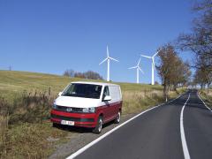 vw - Nový VW Transporter T6 odlišíte od předchozí generace díky lehce pozměněné masce