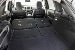 jeep - Při sklopení druhé řady sedadel získáte délku až 1700 mm a využitelný objem až 1,3 m3