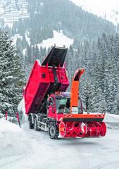 Vzimě bude nový stroj pracovat se sněhem, vlétě potom třeba strávou nebo štěpkou.
