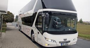 Povedený design elegantního autobusu