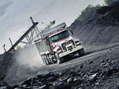 Vmoderních vozech Mack jsou motory a převodovky Volvo, pardon, převodovky mDRIVE HD a Mack MP.
