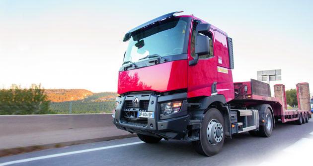 Systém Optitrack nabídne  hydrostatický pohon kol přední nápravy  vokamžiku, kdy jej řidič sám požaduje.