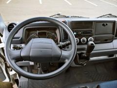 Pracoviště řidiče je hlavně praktické a přehledné