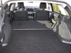subaru-Po složení druhé řady sedadel získáte zcela rovnou plochu svyužitelným objemem až 1,8 m3