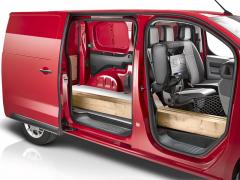 Otvor vpřepážce a modulární sedadlo spolujezdce umožňují přepravu i velmi dlouhých předmětů