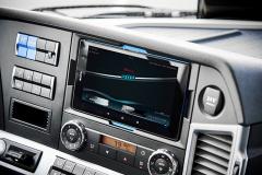 Tablet systému HP Connect je vyndavací a zobrazuje důležité informace pro semi-autonomní řízení vozidel