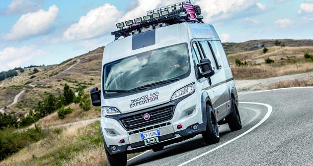 Stopäťdesiatkoňový motor Multijet II  sľubuje solídnu jazdu aj poupra- vených cestách či diaľniciach.