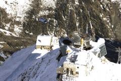 Ve výšce 3500 metrů nad mořem bylo představeno Iveco Daily. Transport proběhl vrtulníkem.