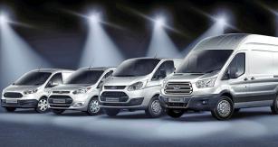 Užitková řada vozů Ford – zprava velký Transit, Transit Custom, Transit Connect a Transit Courier