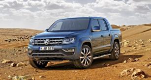 VW Amarok Aventura s aktuálním designem přídě značky Volkswagen: u příležitosti uvedení na český trh bude od listopadu 2016 k dispozici šestiválcový agregát (165 kW)