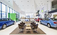 Operativní leasing pro soukromé osoby spustila v Česku Škoda s programem Bez starostí. Dnes je lídrem trhu