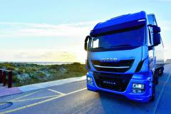 Maximální výkon 400 ka točivý moment vrcholící na hodnotě 1700 N.m je velmi solidní a pro současnou dálkovou kamionovou dopravu zcela dostačující.
