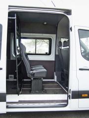 hyundai - Verze Combi Van nabízí ve druhé řadě tři sedadla a dost prostoru i na nohy