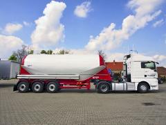 Silocisterna CM 39 se využívá hlavně kpřepravě vápence a cementu