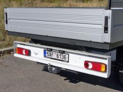 Závěsné zařízení ISO 50 zvládne bržděný přívěs o celkové hmotnosti 2500 kg
