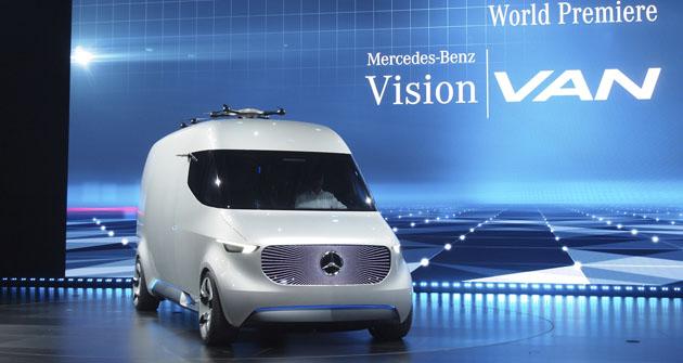 Lehký užitkový automobil budoucnosti Vision Van byl představen ve Stuttgartu