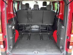 renault-Objemný nákladový prostor měl na podlaze protiskluzovou gumu. Po sklopení či vyjmutí druhé řady sedadel uveze až dvě europalety