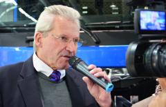 Jednatel společností MAN ČR a MAN SK pan Jochen Modl, MBA se zhostil během české zastávky MAN Tour v Brně mnoha různých prezentací a moderací ve prospěch produktů MAN.