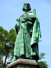 Socha brunšvického Jindřicha Lva, vévody zBavorska aSaska.