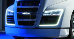 Ktomu, aby Nikola OneTM dokázal rozpohybovat silniční dopravu, bude třeba také vybudovat systém plnících vodíkových stanic.