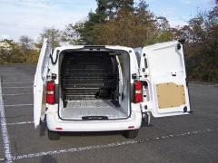 Peugeot - Zadní křídlové dveře mají dobrou aretaci ve dvou polohách