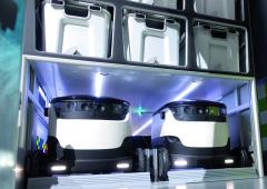 """Vdodávce jsou koloví roboti umístěni ve svém """"garážovém"""" prostoru. Čekají na pokyn – žádná výplata, žádné přehnané energetické nároky – ideální řešení finální dodávky zboží."""