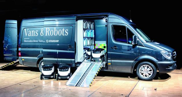 Digitalizace a konektivita, to jsou mantry současného vývoje automobilového průmyslu a návazných servisních služeb. Mercedes-Benz rozhodně ani vtomto směru  nezaostává, právě naopak!