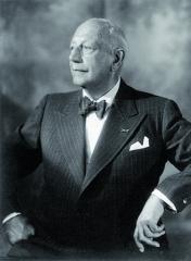 SOskarem Messterem, filmovým velikánem a zakladatelem filmového průmyslu vNěmecku měl Kolowrat po jistou dobu společnou firmu.