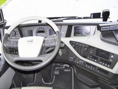 Pracoviště řidiče se vyznačuje perfektním dílenským zpracováním a výbornou ergonomií