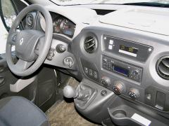 renault-V interiéru je jedinou změnou dotykový displej ovladače pohonu 4x4