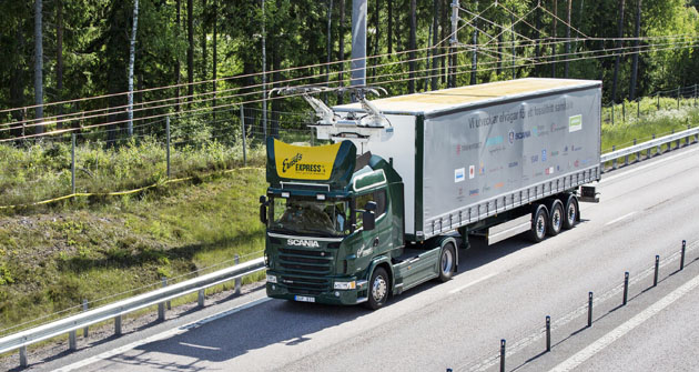 Elektrovůz Scania na první elektrifikované dálnici na světě