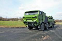 Jízda vhoufnici Caesar 8x8 je díky podvozku Tatra Force velmi příjemná, klidná abezpečná.