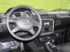 mb-Pracoviště řidiče je až na detaily shodné scivilní komfortní verzí