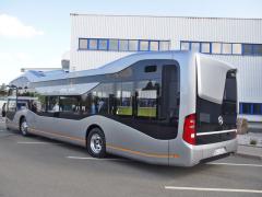 Ladné křivky autobusu