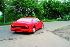 Ecorra Sport V8 samozřejmě nikdy neměl homologaci kprovozu naveřejných komunikacích, ale pokušení bylo velké, resp. bylo nutné vyzkoušet zda vůbec jede.
