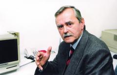 JUDr.KAREL FRIML, CSc. Špecialista nadopravnú legislatívu