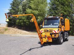 Novinka Unimog U 323 snástavbou Eco MultiWash