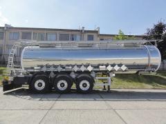 Cisternový návěs na přepravu chemikálií