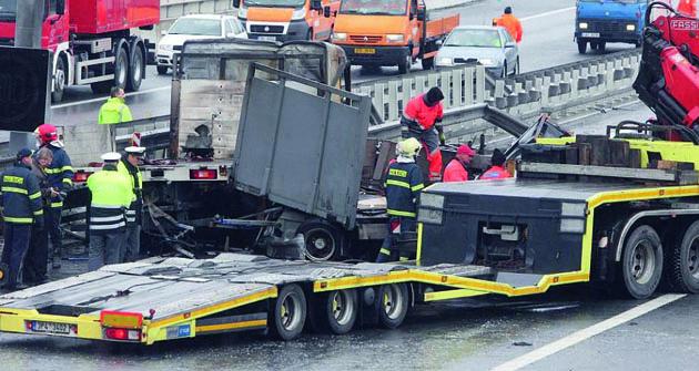 Havárie  je vždy problém, již jen  proto, že auto bude již navždy opravované.