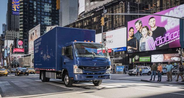 V Japonsku a v USA vyjela sériově vyráběná řada Fuso eCanter nejdříve